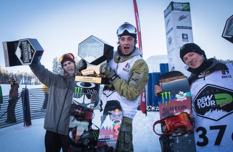 Fra venstre: Ståle Sandbech, Mark McMorris, Darcy Sharpe. Foto: Glenn C. Pettersen / Snowboardforbundet