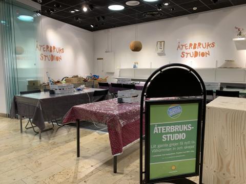 Pressinbjudan: Häng med fjärdeklassarna och skapa i Återbruksstudion i Mitt i City