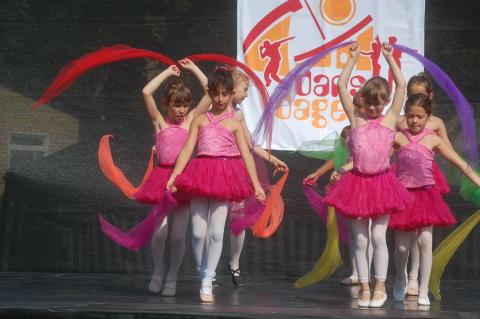 Prova dans från hela världen på Dansdagen i Vällingby