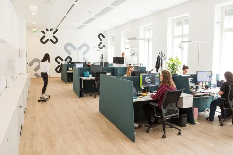 Tag der Rückengesundheit 2020: forsa-Studie zeigt Handlungsbedarf bei ergonomischer Büroeinrichtung