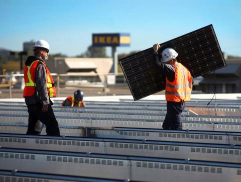 IKEA Gruppen börjar sälja solcellspaneler i Nederländerna och Schweiz