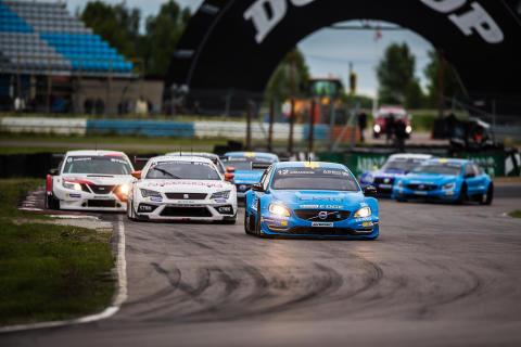 Göransson i täten under det första STCC-racet