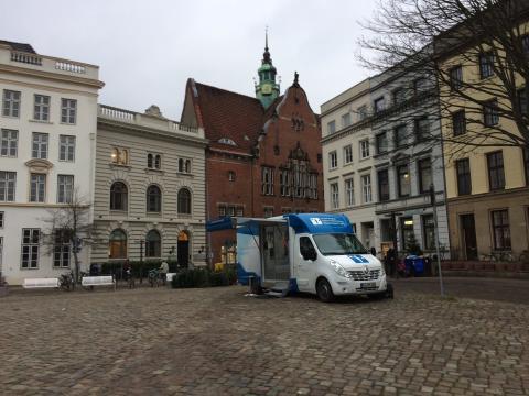 Beratungsmobil der Unabhängigen Patientenberatung kommt am 5. April nach Lübeck.