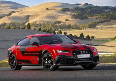 Hurtigere end en racerkører: Førerløs Audi på amerikansk racerbane