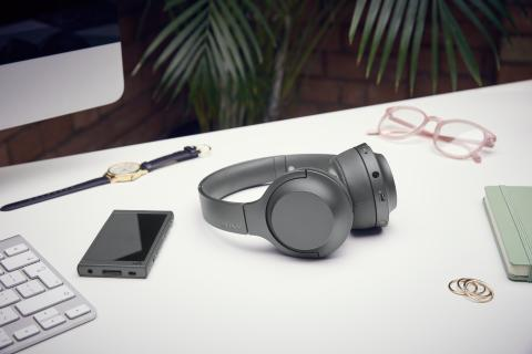 h.ear_on_2_Mini_Wireless_B_situation_WM