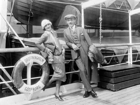 Greta Garbo travels on the America Line from Gothenburg to New York.
