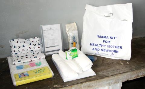MamaKit till mödrar i Uganda