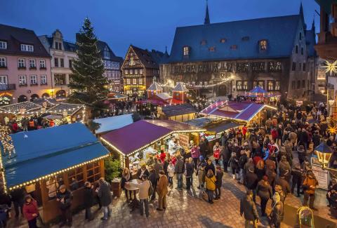 Quedlinburgs markedsplads rammer julemarkedet ind