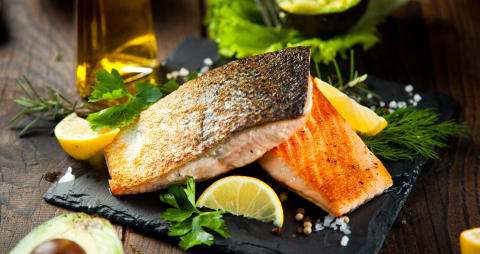 Rezept aus dem Gourmethotel: Gebeizte Lachsforelle im Kräuternudelblatt