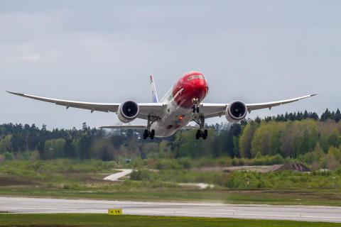 Norwegian's Dreamliner Aircraft LND