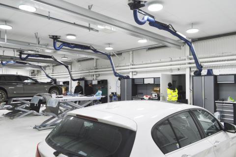 TT Fordonskadecenter miljösatsar på Intenz LED-belysning i nya lokaler