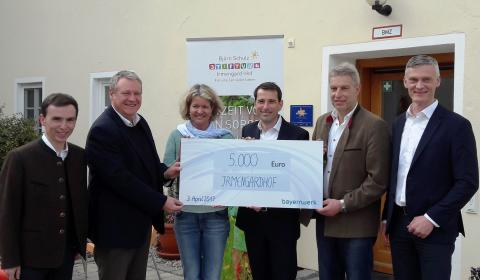 Spendenübergabe an den Irmengard-Hof