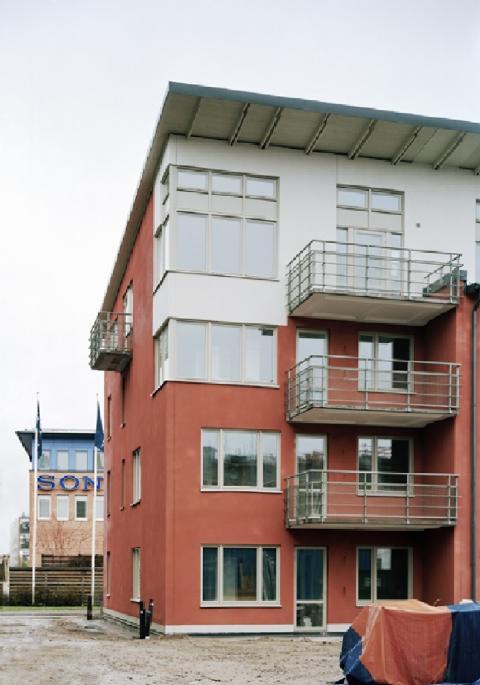 Arkitektonisk enkelhet ger profil åt gammal industrimark