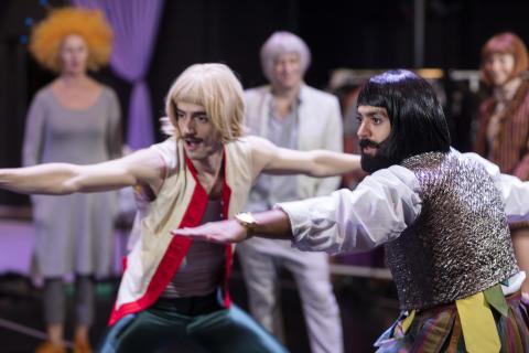 Skådespelare och dansare utforskar varandras världar genom Hamlet