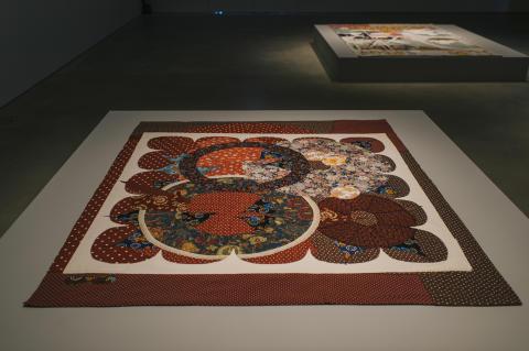 Kroppsspråk/Body Talk. Noa Eshkol, Rödluvan, 2005./Little Red Riding Hood, 2005.