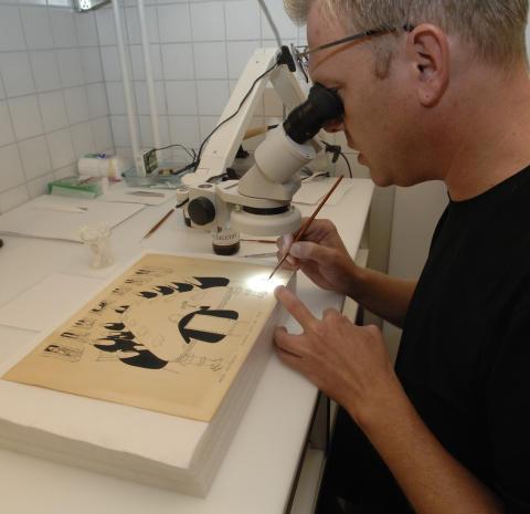 Konservering av Astrid Lindgrens tavlor utförs i Vimmerby