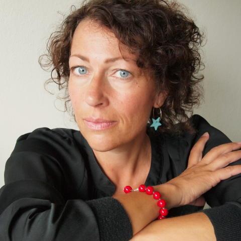 Elisabeth Åsbrink dramatiker på Folkteatern Göteborg.