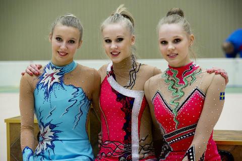 Tre svenska gymnaster till VM i rytmisk gymnastik i Kiev 28 - 29 aug 2013