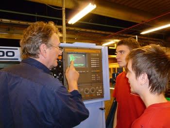 Uddevalla gymnasieskola blir certifierad Teknikcollegeskola