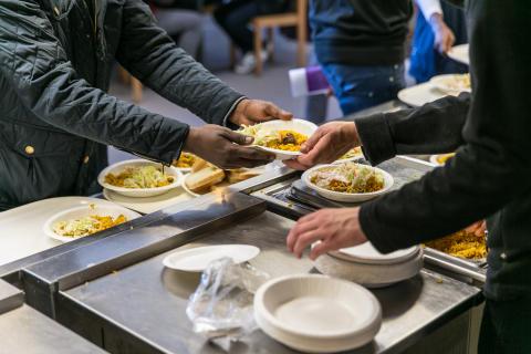 Fler asylsökande får praktikplats i väntan på beslut