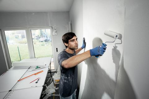 8 av 10 renoverar sitt hem varje år eller oftare – Tapetsering och målning populäraste projekten i höst