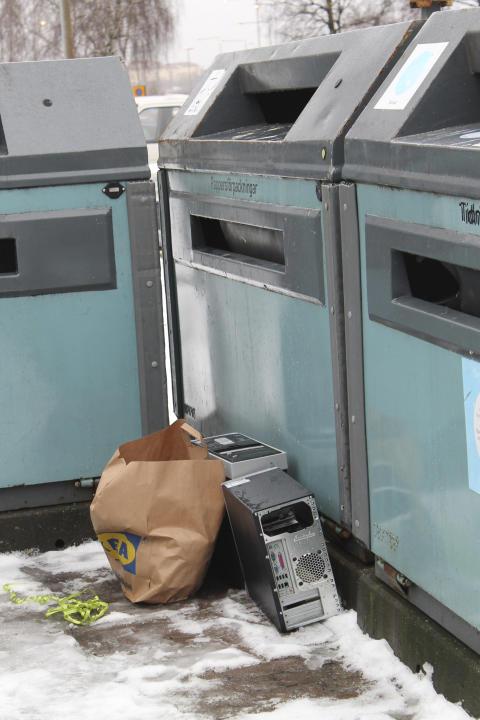FTI testar nya metoder för att få återvinningsplatserna i Göteborg fria från skräp