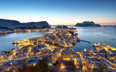 Blaue Stunde in Ålesund