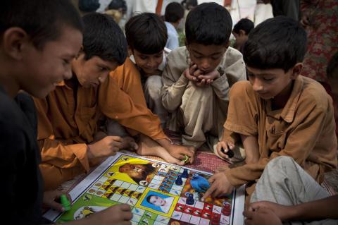 Trygga platser för flyktingbarnen i Pakistan