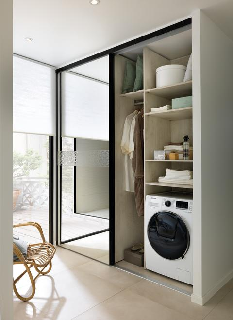 Schmidt bad inndredning vaskeskap høyskap med speil