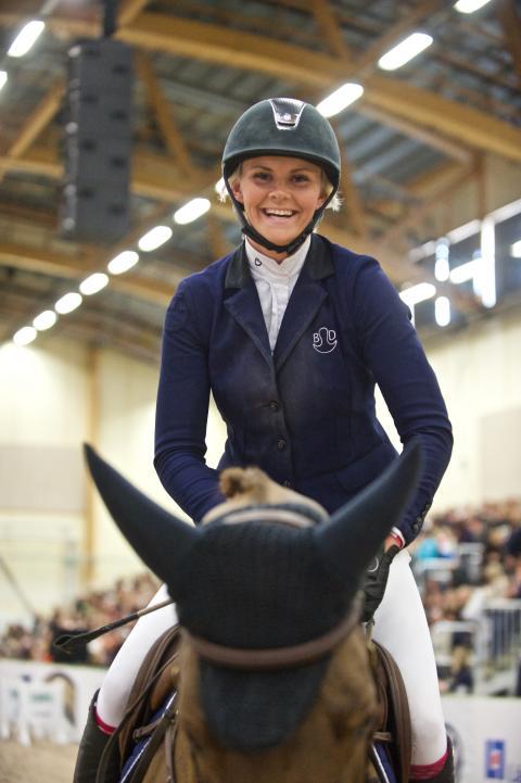 En glad Karin Martinsen efter vinsten.