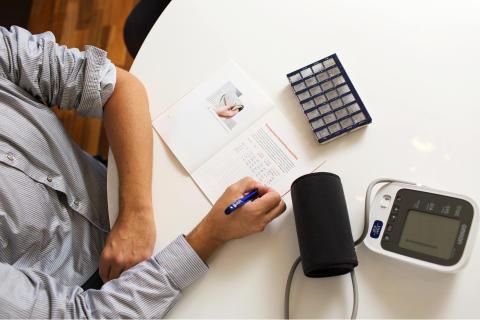 Diabeetikon verenpaine paranee istumisen jaksottamisella