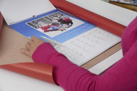 Seinäkalenterin paketointi