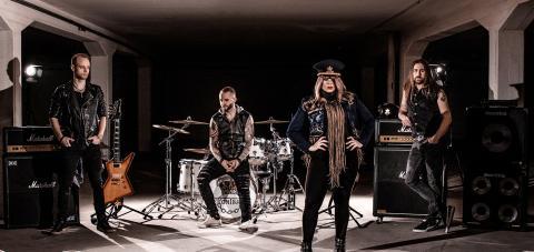 Frontback - ny video och singel