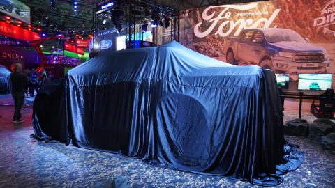 A Ford új izomautóval és ultra-élethű 4D szimulátorral mutatja be nagy teljesítményű modellkínálatát a Gamescom látogatóinak
