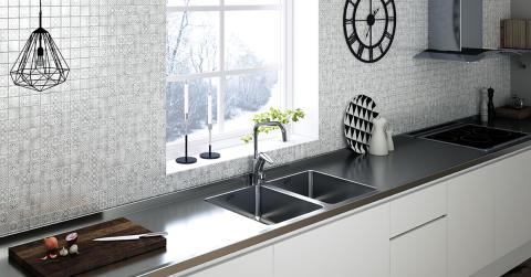 En rostfri bänkskiva - bästa materialvalet i ditt kök