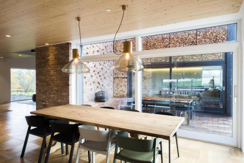Pluss-huset i Larvik vant arkitektenes internasjonale bærekraftpris