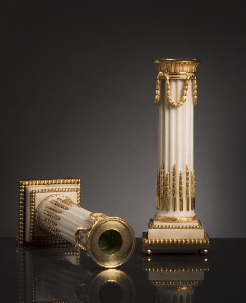 Grand Antiques, Hoffmans Antikhandel, ljusstakar marmor och brännförgylld  brons.