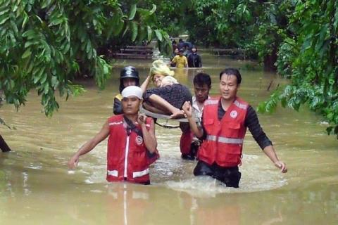 Stor hjälpinsats till översvämningar i Myanmar