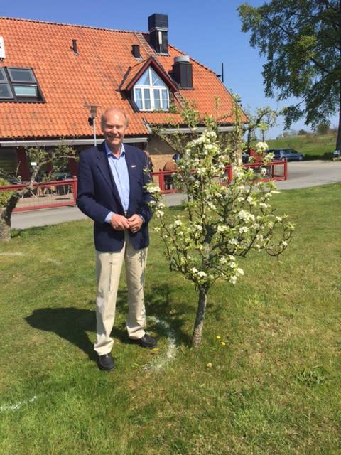 Rolf Östinge vald till hedersledamot efter 25 år i regionstyrelsen