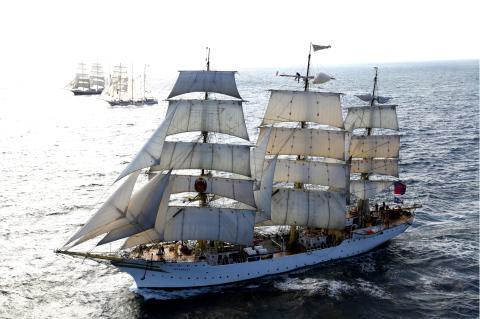 Halmstads- och Laholmsungdomar seglar för integration till The Tall Ships Races 2017