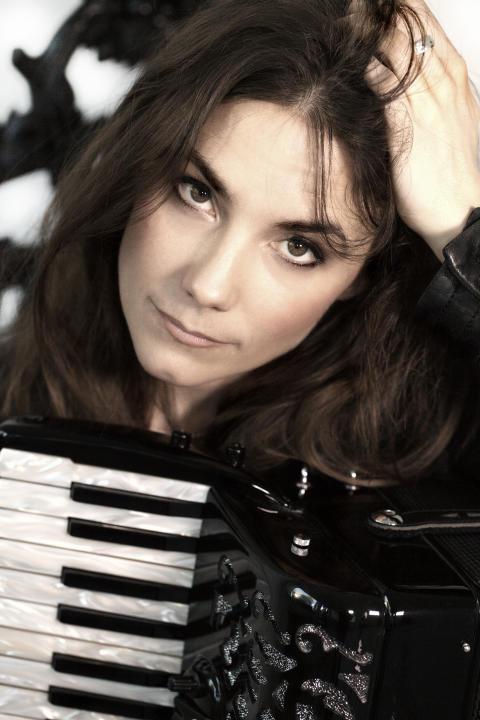 Lisa Långbacka är Årets kompositör inom folk- och världsmusik