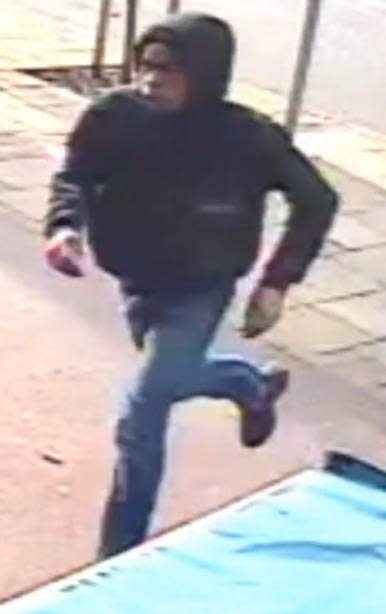 Image of teenager police wish to speak with - ref: 229741
