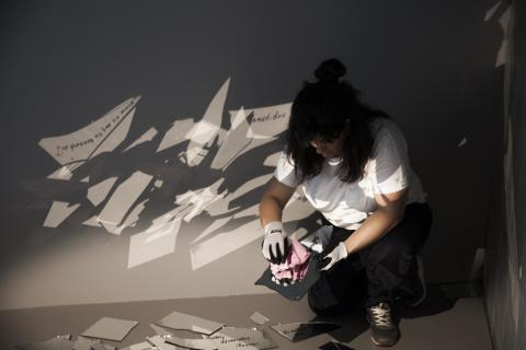 Nisrine Boukhari förbereder sitt verk