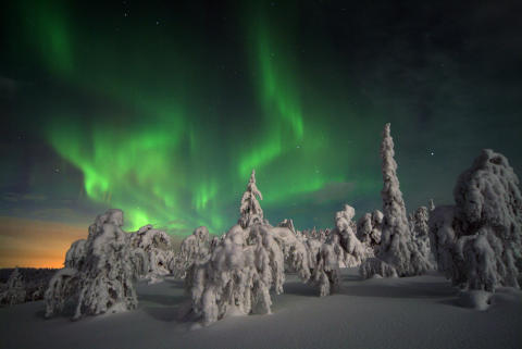 the northern lights aurora borealis visit finland
