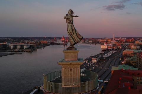 Finns det rum för tro, hopp och kärlek när staden utvecklas?