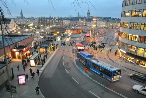 Passengers pleased with Stockholm's connected buses