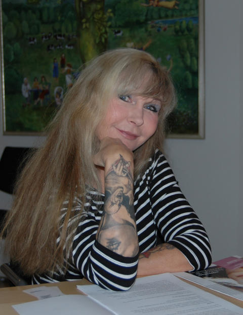 Unni Drougge ny redaktör på Roks tidning Kvinnotryck