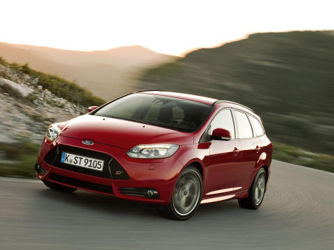 FORD FOCUS ST MED 250 HK SOM STATIONCAR_1