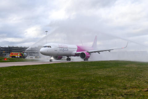 London Luton Airport welcomes arrival of new NEO aircraft