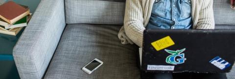 Tutkimus: Kuluttajat toivovat yrityksiltä tekstiviestejä mobiilisovellusten sijaan